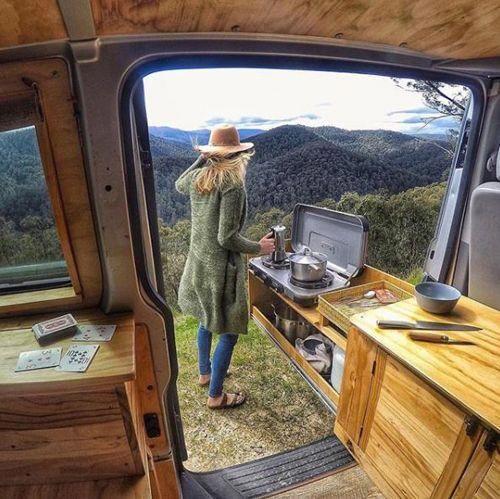 cucina camper estraibile porta laterale